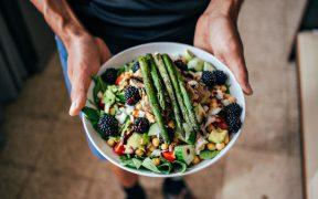 Jak odzywiac sie zdrowiej 5 nawykow, ktore sprawia, ze poczujesz sie lepiej